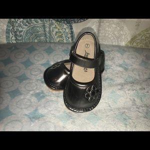 73b76c42b7 laniecakes Shoes - Laniecakes size 7 squeaker shoes